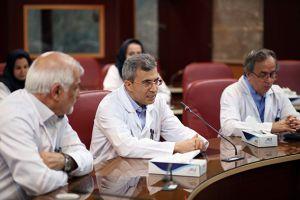 دویست و هفتمین جلسه شورای پژوهشی و اخلاق در پژوهش در مرکز قلب و عروق شهید رجایی: عکس شماره 8 / 12