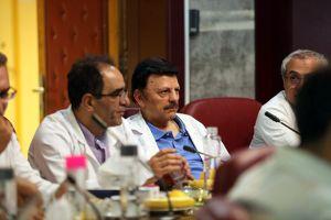 جلسه کمیته مورتالییتی مورخ 20 مهر ماه سال جاری در مرکز قلب و عروق شهید رجایی: عکس شماره 11 / 12