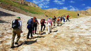 صعود تیم کوهنوردی مرکز قلب و عروق شهید رجایی به ارتفاعات زرد کوه بختیاری: عکس شماره 2 / 9